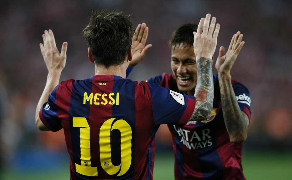 Messi comemora com Neymar gol na final da Copa do Rei