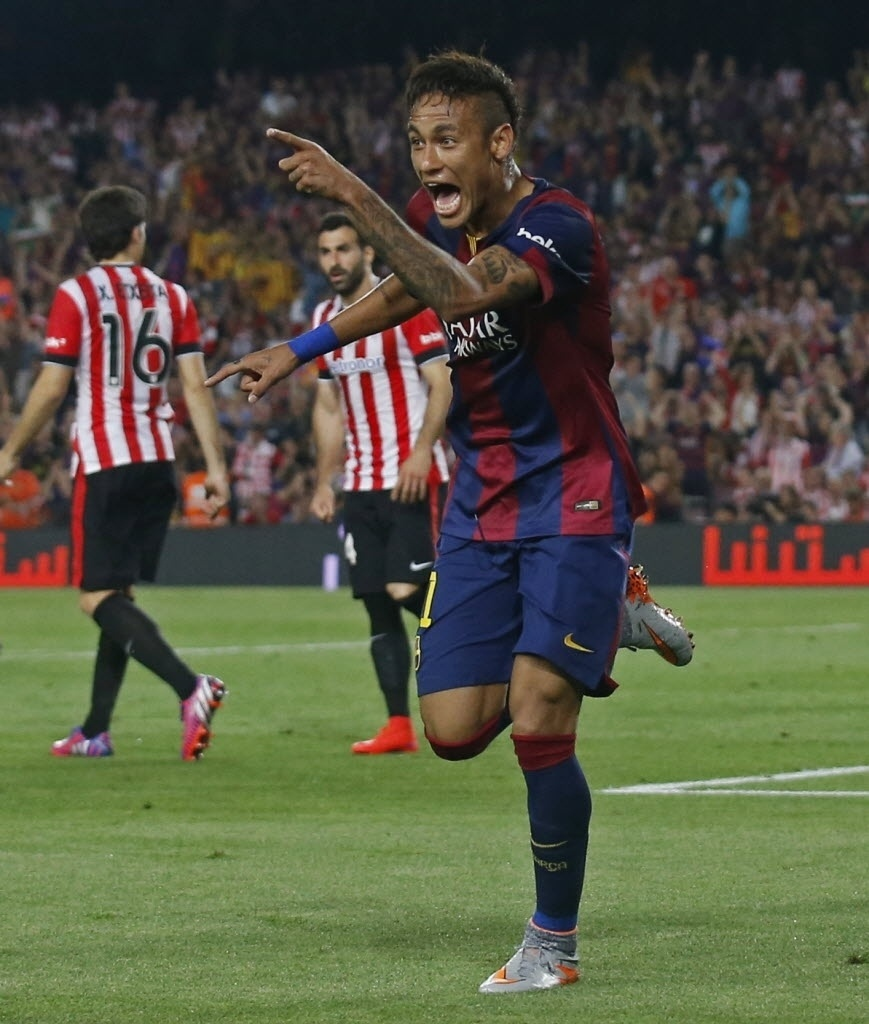 Neymar comemora ao marcar gol na final da Copa do Rei contra o Athletic Bilbao