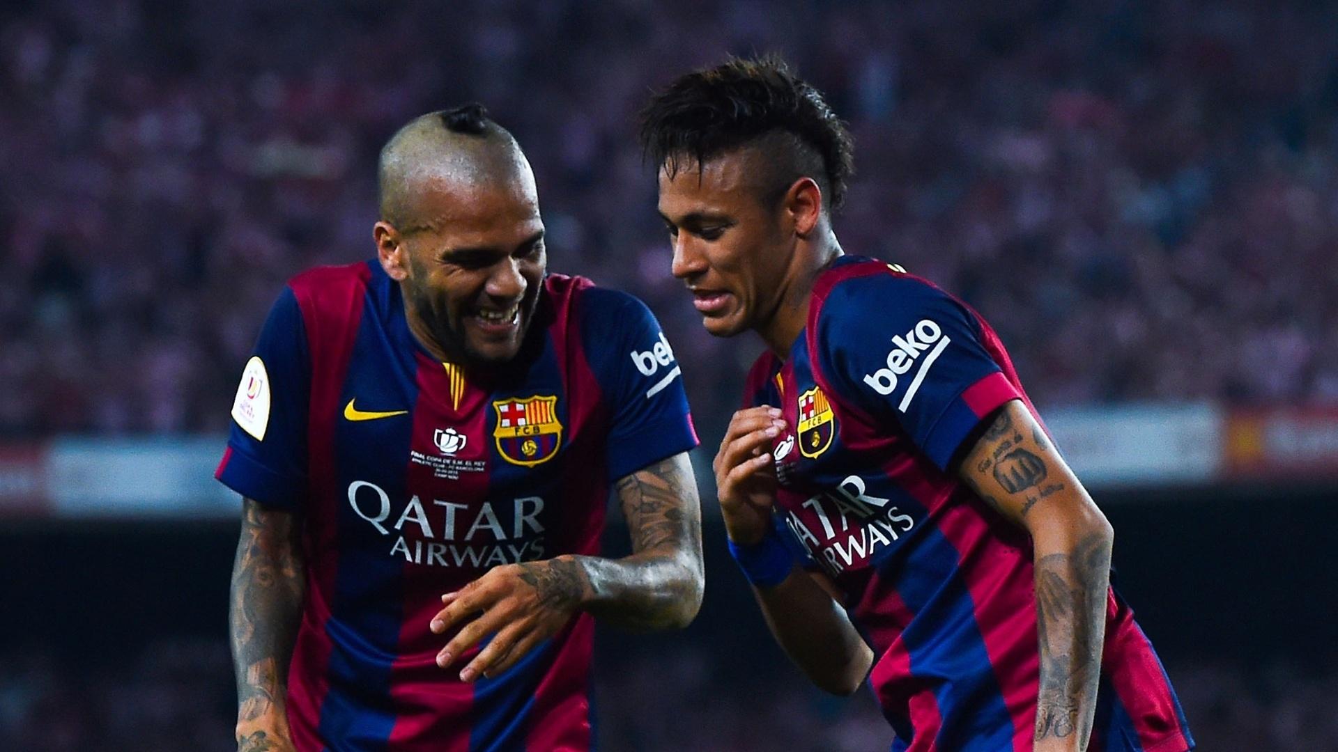 Também dono de penteados ousados, Neymar faz dancinha com Neymar depois de gol do Barcelona