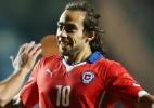 Fifa suspende Valdivia e Vargas de jogos do Chile nas Eliminatórias