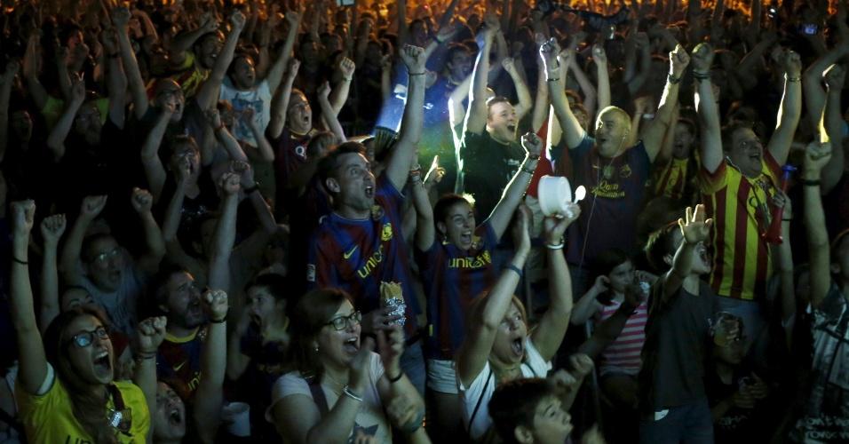 Torcida do Barcelona comemora gol do Barcelona e título da Liga dos Campeões