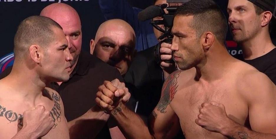 Werdum e Velasquez fazem encarada séria na pesagem para o UFC 188