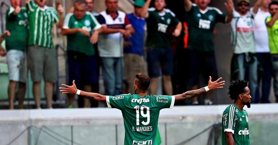 Rafael Marques comemora após empatar para o Palmeiras contra o Fluminense