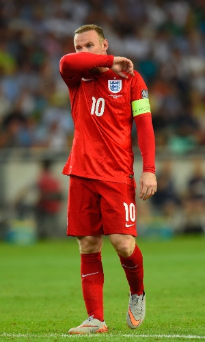Rooney marcou o gol de empate na vitória da Inglaterra nas eliminatórias da Euro
