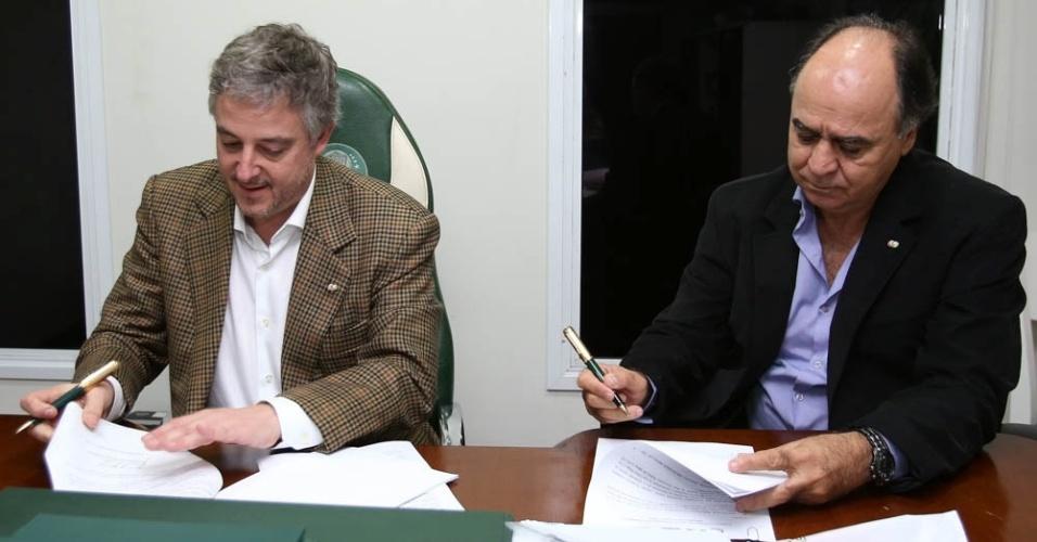 Palmeiras e Marcelo Oliveira chegaram a um acordo e assinaram contrato nesta segunda-feira