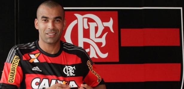 O atacante Emerson Sheik já vestiu a camisa do Flamengo nesta terça-feira