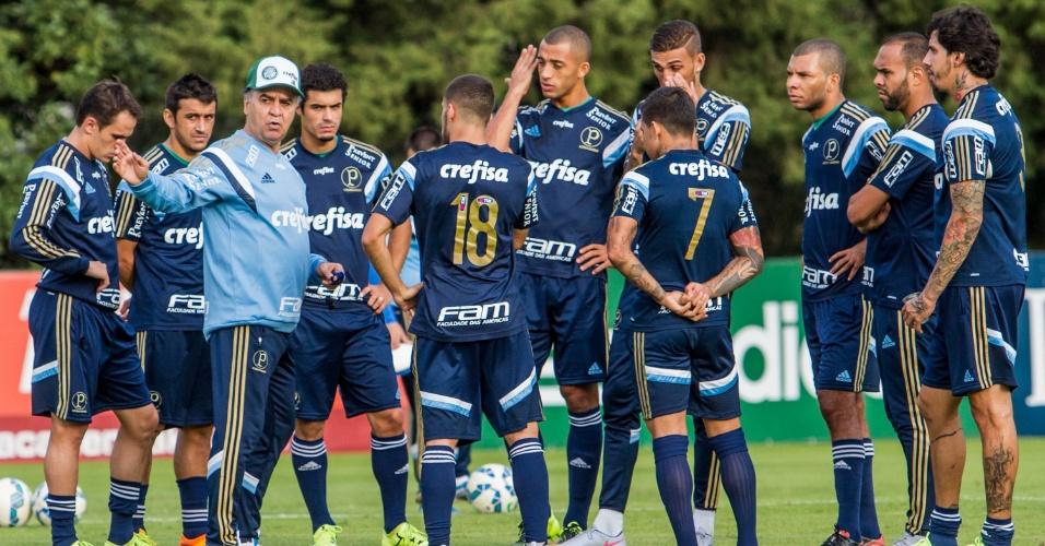 Marcelo Oliveira comanda primeiro treino do Palmeiras após ser apresentado como técnico da equipe