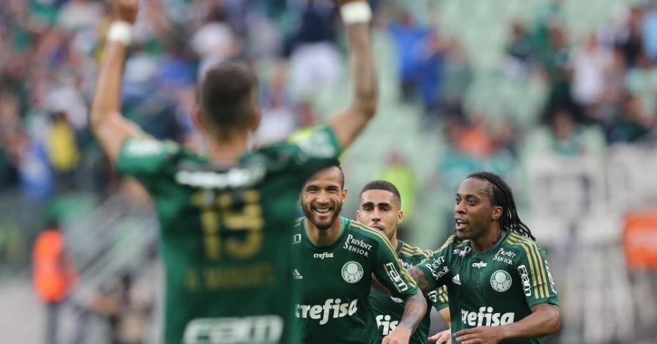 Jogadores do Palmeiras comemoram gol na vitória sobre o São Paulo no Allianz Parque (28/06)