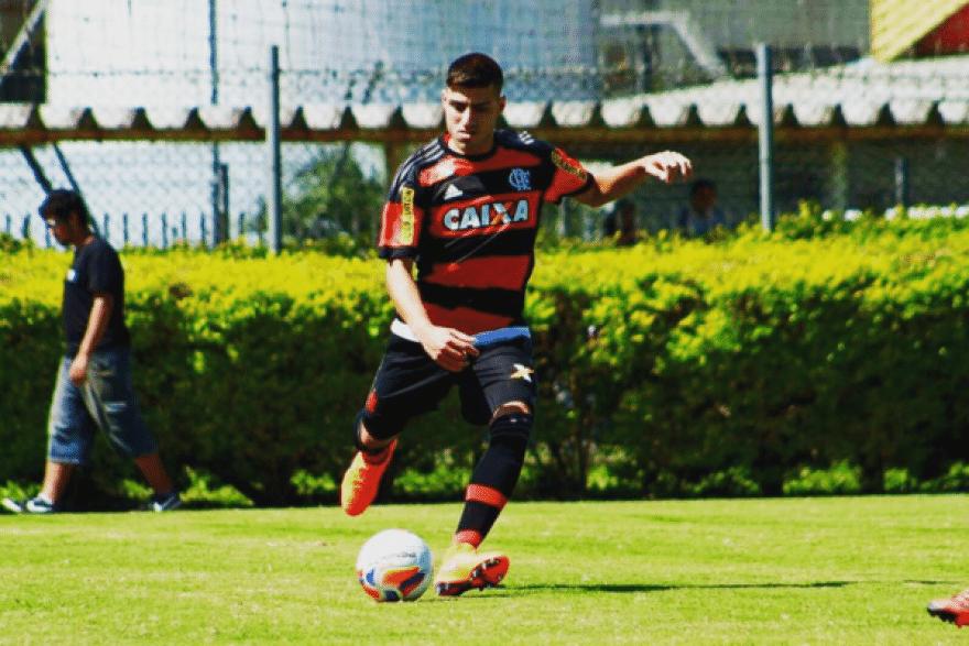 T. Ennes em partida do Flamengo válida pela Copinha