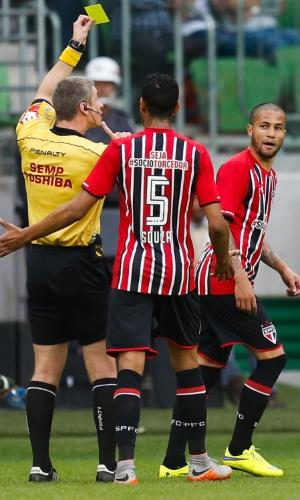 Bruno leva cartão amarelo por reclamação no clássico entre Palmeiras e São Paulo (28/06)