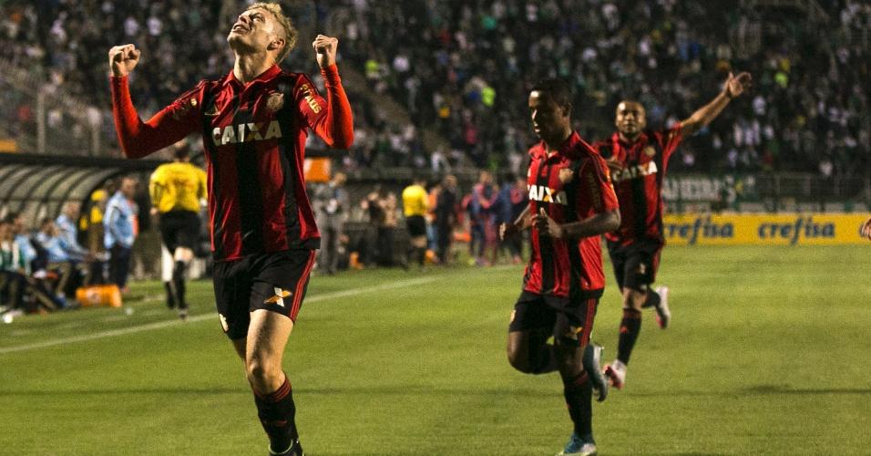 Marlone comemora após abrir o placar para o Sport, em partida contra o Palmeiras, neste sábado (24), pelo Campeonato Brasileiro
