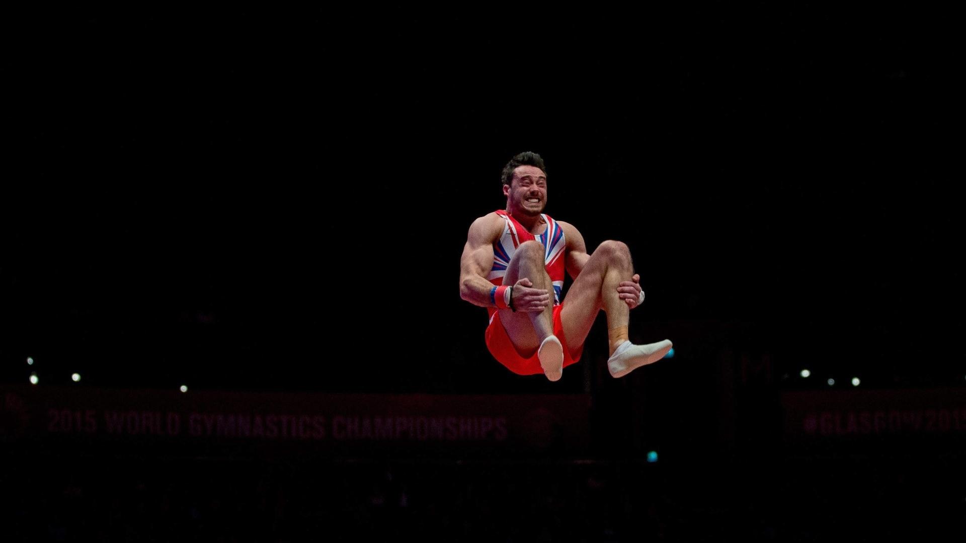 O britânico Thomas Kristian faz suas manobras durante o mundial de ginástica