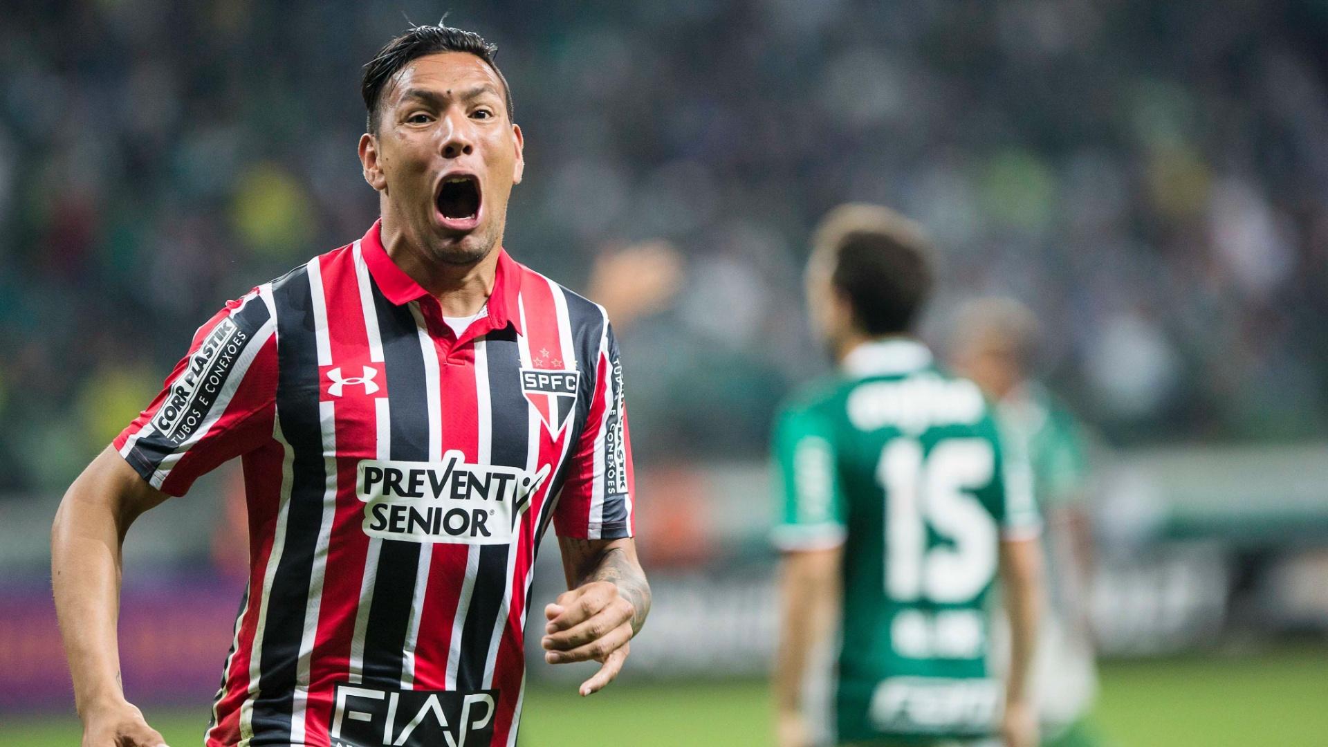 Chávez comemora gol marcado para o São Paulo contra o Palmeiras