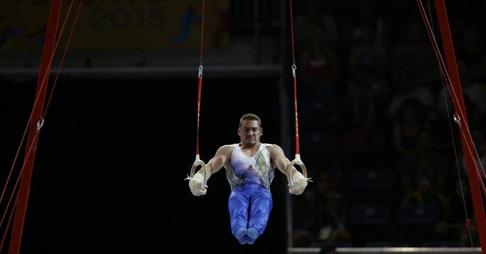 Apresentação de Arthur Zanetti nas argolas teve nota 15.725 e rendeu a medalha de ouro ao brasileiro