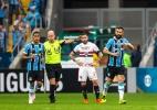 Grêmio domina SP na Arena, vence com gol de Douglas e cola nos líderes