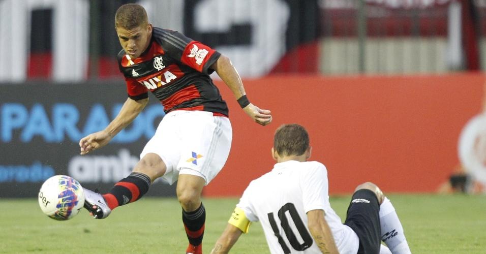 O volante Cuéllar se destaca com um início de qualidade nos passes pelo Flamengo