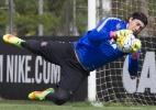 Cássio manifesta desejo de deixar Corinthians e torce por oferta para 2017