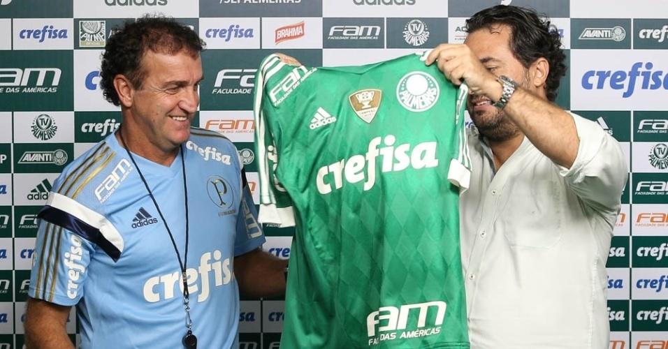 Diretor de futebol do Palmeiras, Alexandre Mattos, apresenta Cuca à imprensa