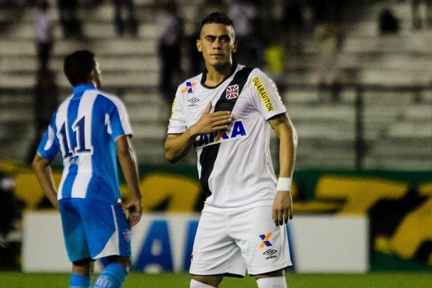 Emanuel Biancucchi comemora gol do Vasco contra o Avaí