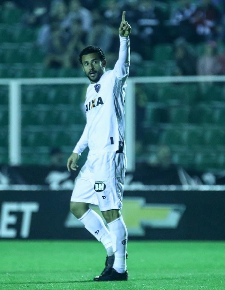 Fred marca para o Atlético-MG contra o Figueirense