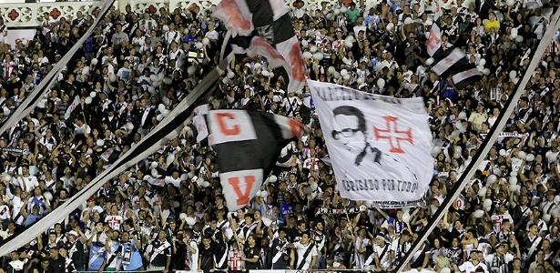 Torcida do Vasco reencontrará São Januário contra o Corinthians na próxima semana