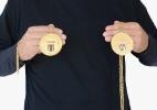 Zagueiro da era Parmalat leiloa medalha do Palmeiras 93 e camisas