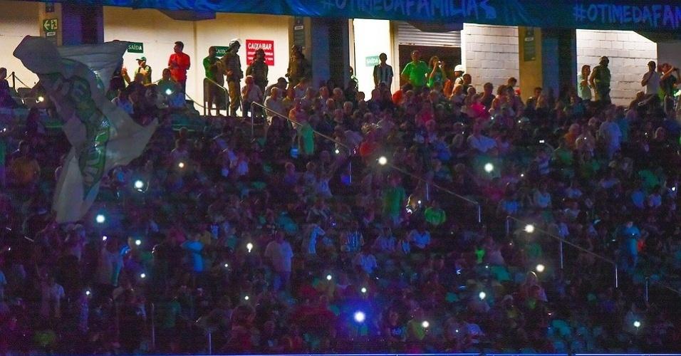 Estádio Independência ficou às escuras depois de queda de energia durante o jogo América e Botafogo