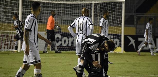 Goleiro e gol contra &#39salvam&#39 Cear� contra o Bragantino