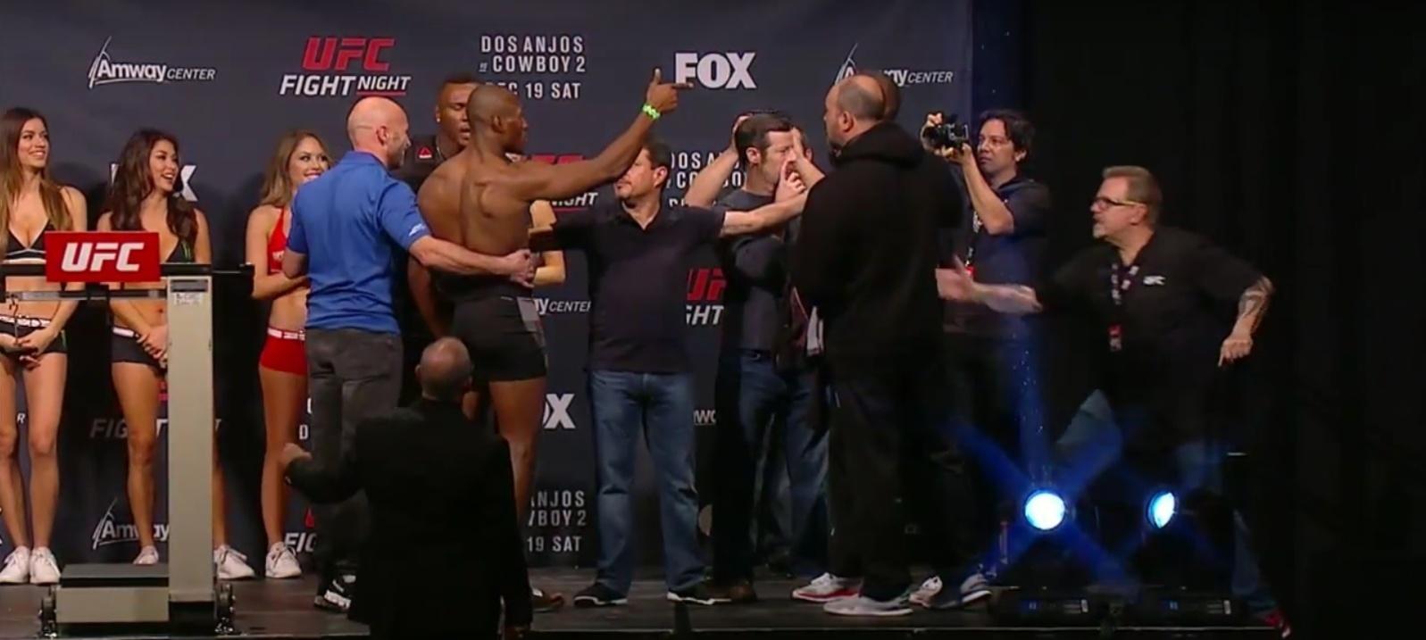 Leon Edwards e Kamaru Usman se estranham na pesagem do UFC: Dos Anjos x Cerrone