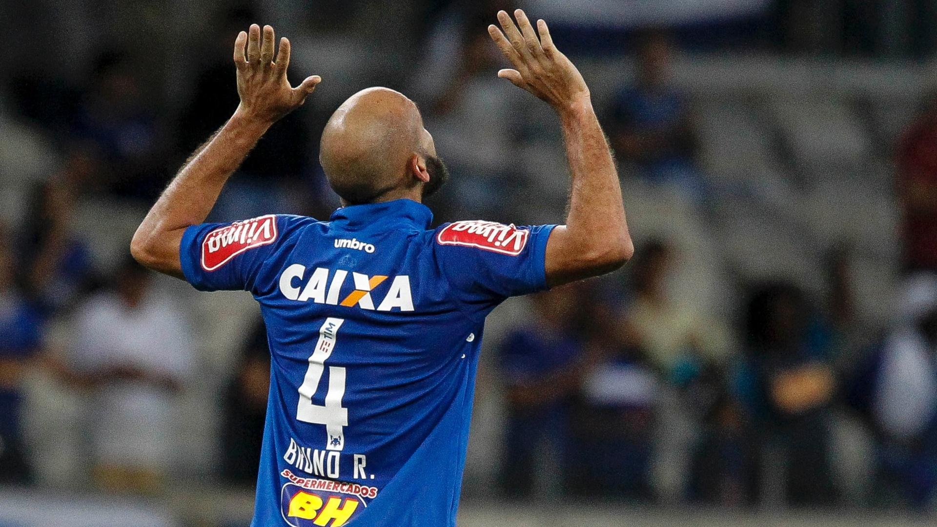 Bruno Rodrigo celebra gol do Cruzeiro diante do Botafogo