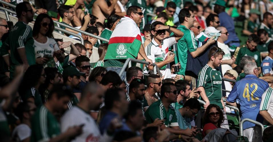 Torcedor do Palmeiras comparece em grande número no Allianz Parque, para o clássico contra o Santos