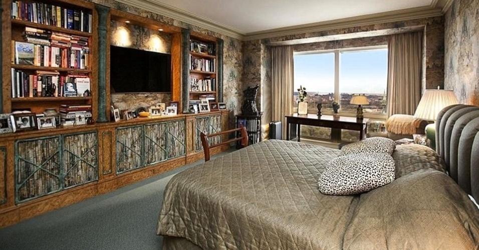 O detalhes em madeira estão por todo lado do apartamento de Cristiano Ronaldo, em Nova York, inclusive no quarto principal