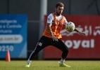 Antes de 'sete decisões', Lucas Lima cobra o Santos: 'Voltar a jogar bem'