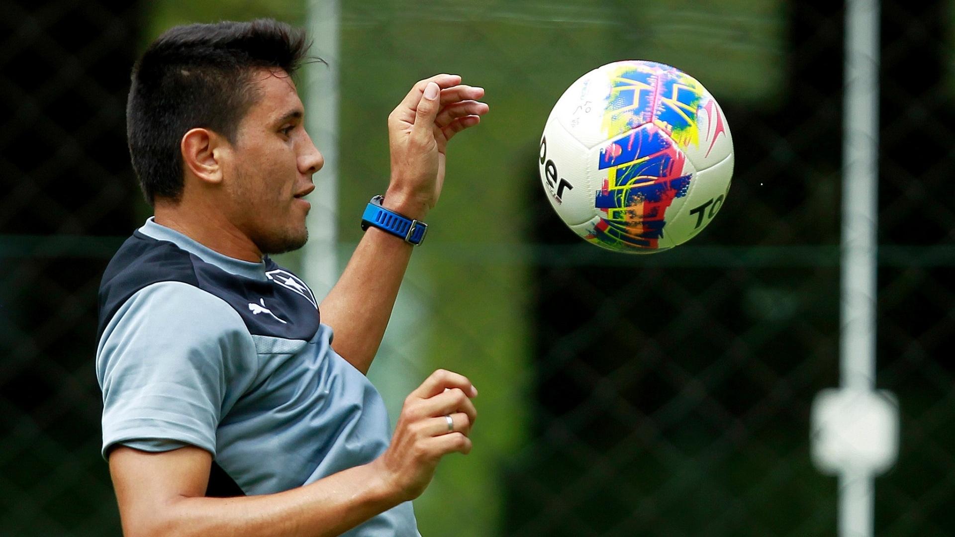 Gervásio Nunes, o Yacaré, em treino do Botafogo