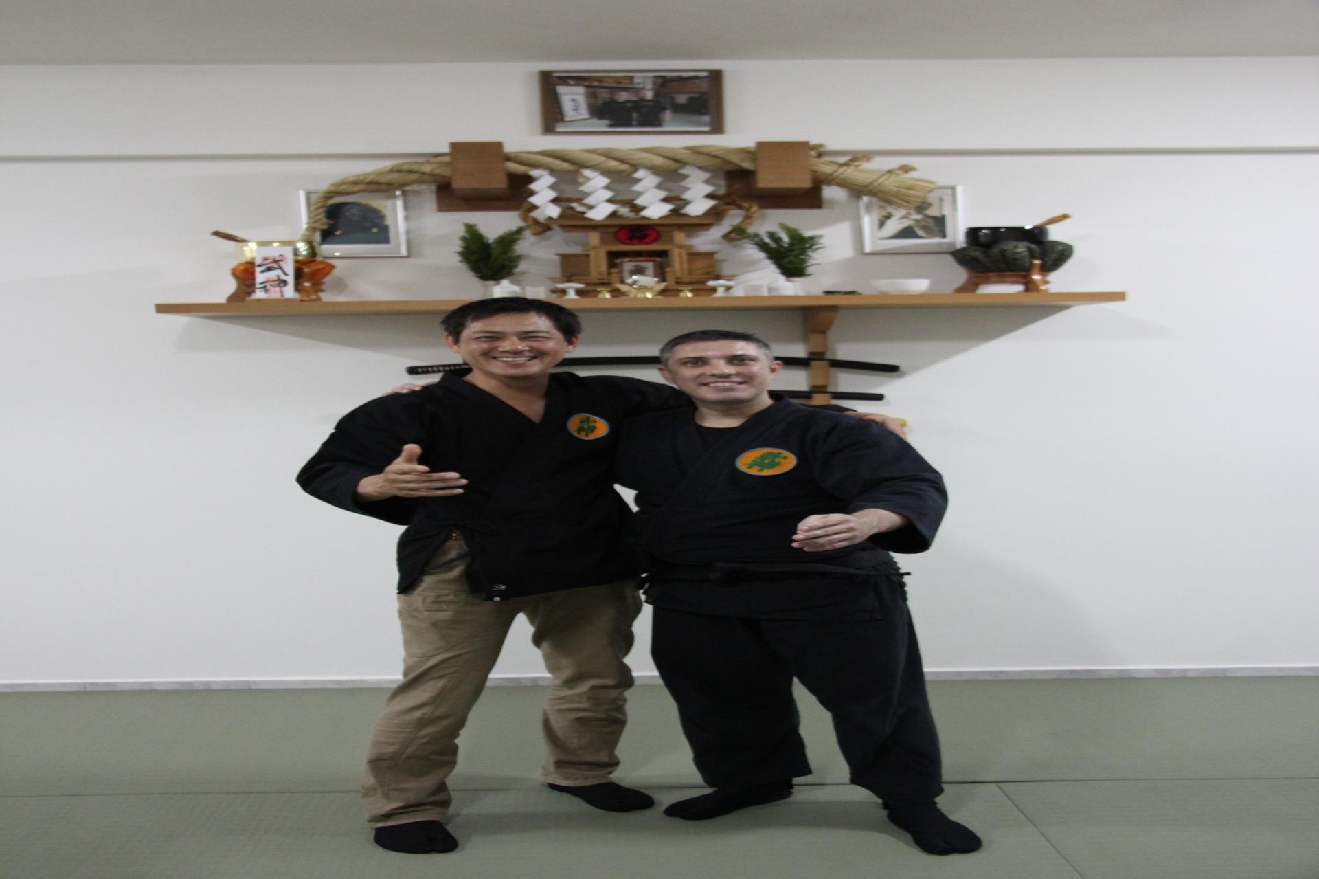 Fernando Cardoso e o ator Takumi Tsutsui, protagonista da série Jiraya, o Incrível Ninja