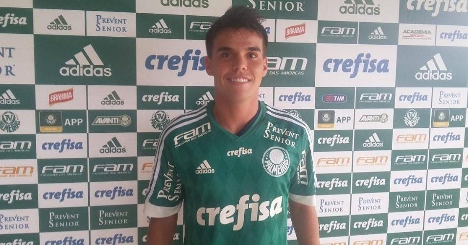 Rodrigo, novo volante do Palmeiras, é apresentado pela equipe