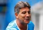 Binóculo, drible em treino e provocação: o Renato treinador no Gre-Nal