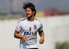 Corinthians avisa Cristóvão de provável saída de Pato e aguarda espanhóis
