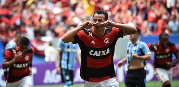 Damião recebe contato e negocia para trocar Flamengo por Corinthians