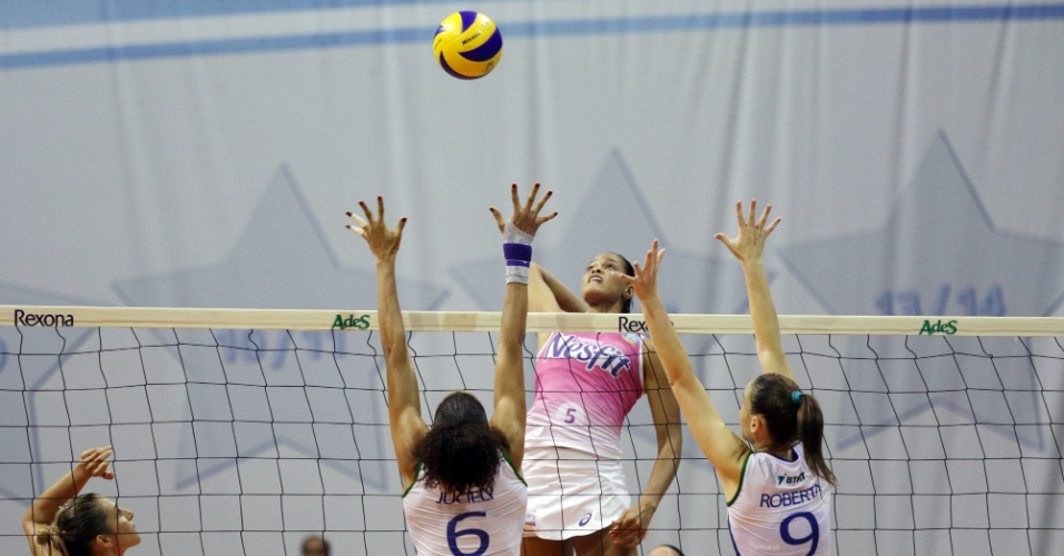Semifinal da superliga de vôlei entre Osasco e Rio