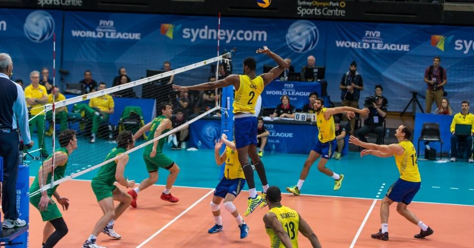 Vitória brasileira foi a sétima na Liga Mundial e a terceira em três embates contra os australianos