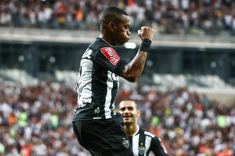 Imagem de Robinho comemorando gol pelo Atlético-MG virou rotina neste começo de temporada