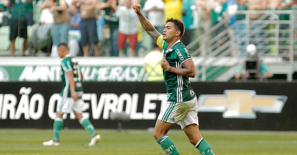 Dudu celebra gol marcado pelo Palmeiras no duelo com o Botafogo no Allianz Parque