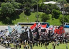 Torcidas de clubes rivais de São Paulo se reúnem em homenagem a Chapecoense - Nelson Antoine/Folhapress