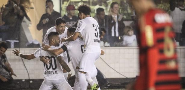 Gabriel Barbosa marcou dois dos três gols da vitória santista contra o Sport