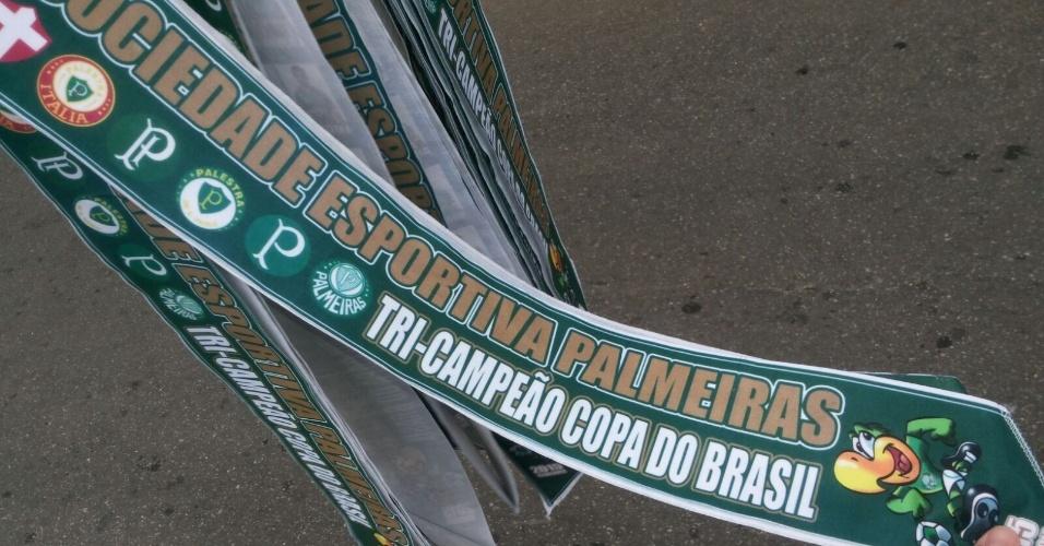Torcida do Palmeiras leva faixa de campeão para o Allianz Parque, palco da final da Copa do Brasil nesta quarta (02)