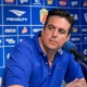 Sem treinador, dupla assume comando na ida de reforços para o Cruzeiro