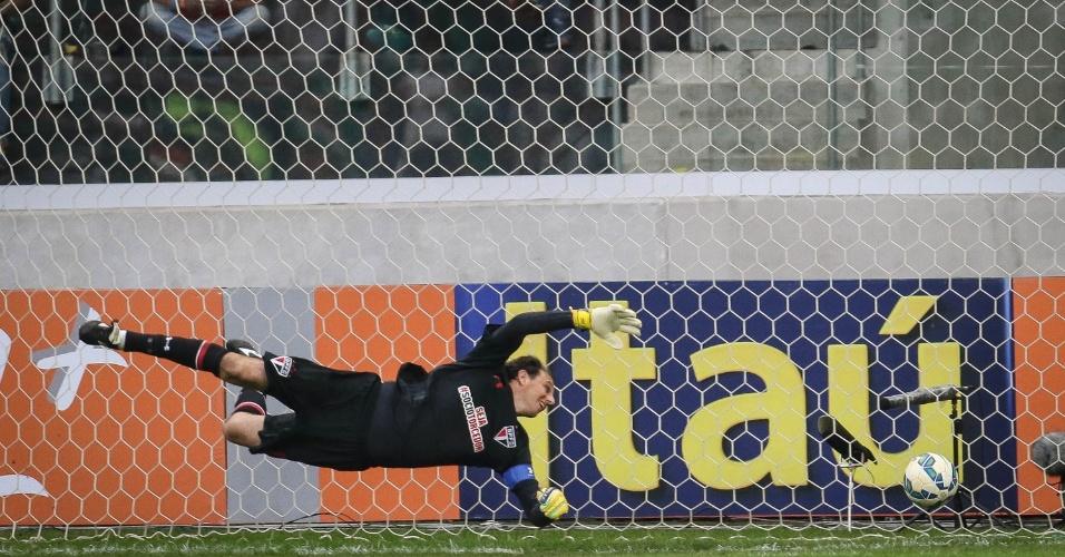 Rogério Ceni espalma a bola no primeiro gol do Palmeiras no Allianz Parque (28/06)