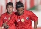 Com Ronaldinho Gaúcho em campo, Cienciano bate Sporting Cristal em amistoso