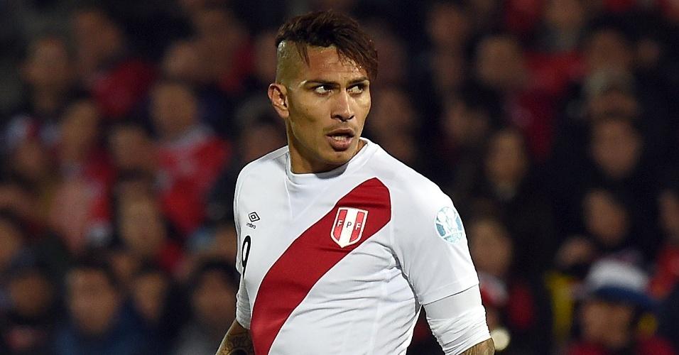 Paolo Guerrero defende a seleção peruana na Copa América antes de estrear no Fla